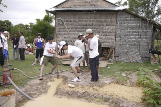 ユナイテッド・アース カンボジア井戸支援